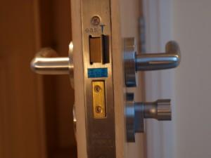 montaż zamka
