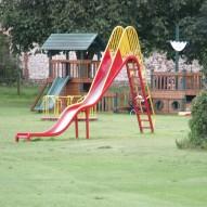 O czym należy pamiętać decydując się na plac zabaw dla dzieci?