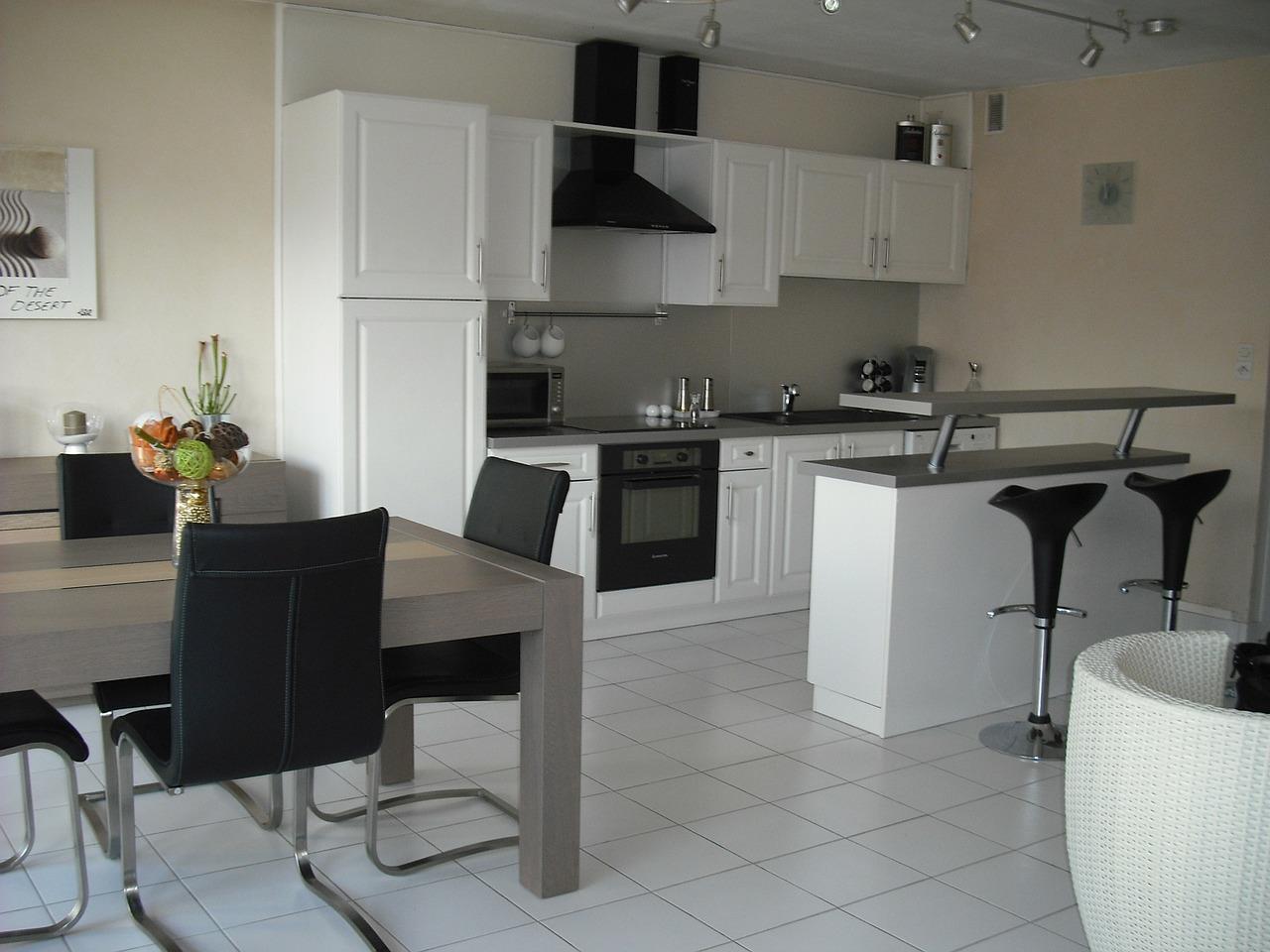 interior-furniture-172705_1280